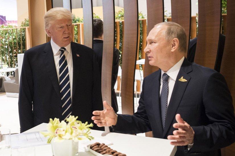 Première rencontre de Trump et Poutine