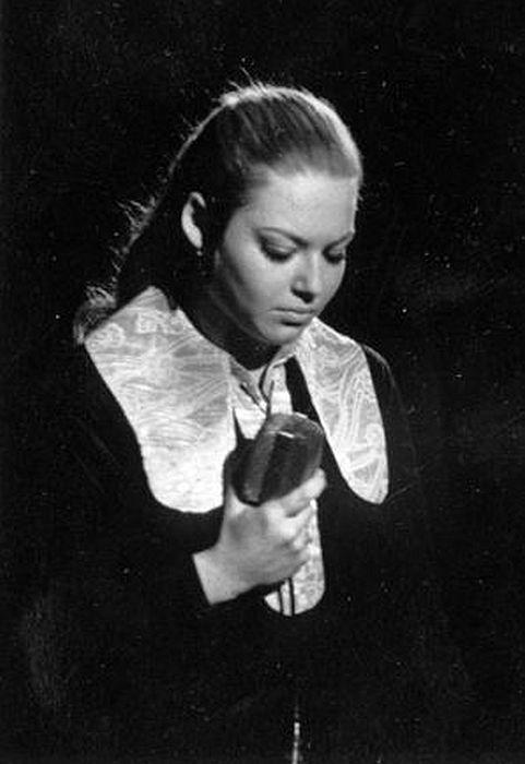 Irina Ponarovskaya dans sa jeunesse.  / Photo: www.ensembles.ru