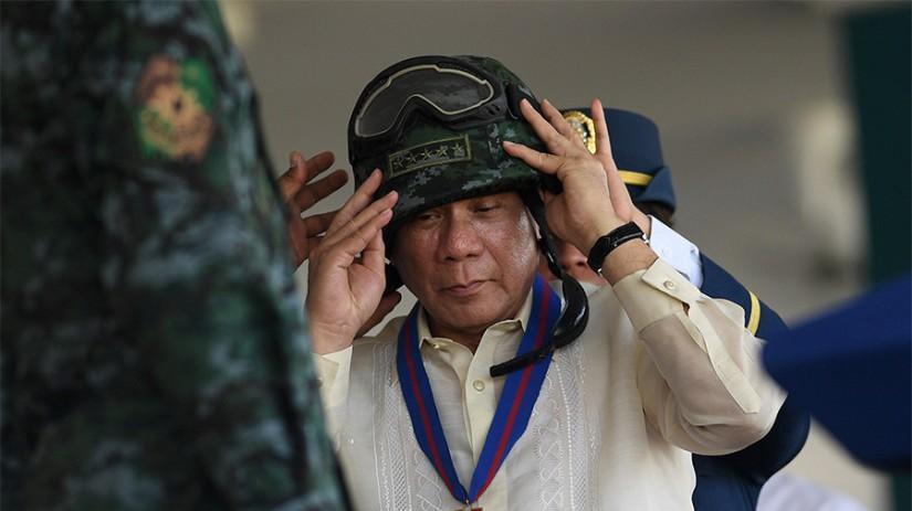 'Si mon avion explose, demande à la CIA' - Duterte après avoir demandé des armes à la Russie et à la Chine