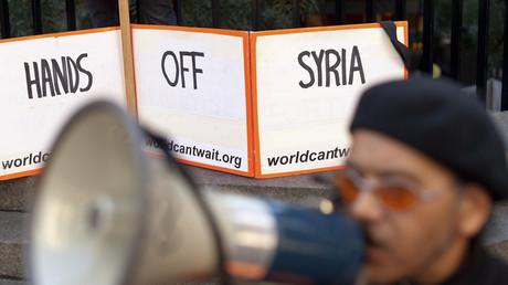 «Trump a nié la surveillance du peuple américain dans une guerre sans fin»: les législateurs réagissent aux grèves syriennes