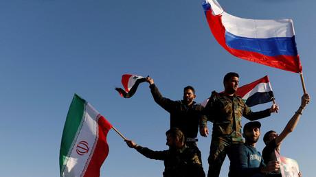 'Attaque' barbare 'des Etats-Unis, du Royaume-Uni et de la France n'affectera pas la volonté syrienne de combattre les terroristes - Syrian FM
