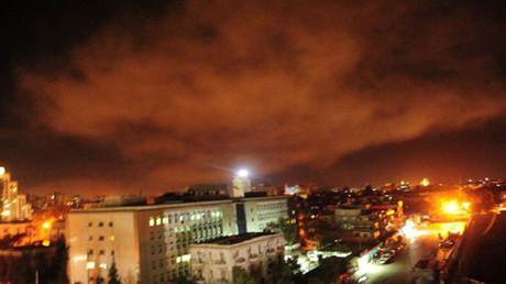 Les premières images de frappes américaines sur Damas émergent (PHOTOS, VIDÉOS)