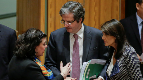UK envoy Karen Pierce, French envoy Francois Delattre and US envoy Nikki Haley before the UN Security Council meeting on Syria, April 13, 2018. © Eduardo Munoz