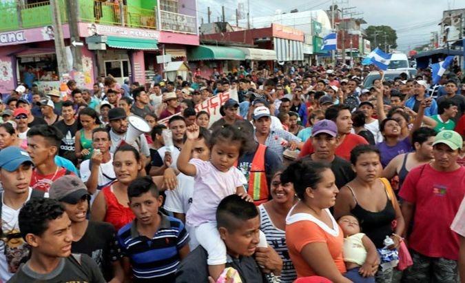 La frontière entre le Mexique et les États-Unis est la destination des voyageurs, qui espèrent être considérés comme demandeurs d'asile par l'administration Trump.