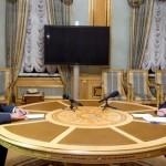 L'Ukraine a arraché des armes lourdes à la frontière avec la Crimée