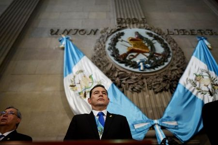 Jimmy Morales a été élu président en 2015 après une série de manifestations populaires de masse qui ont renversé Otto Perez Molina.