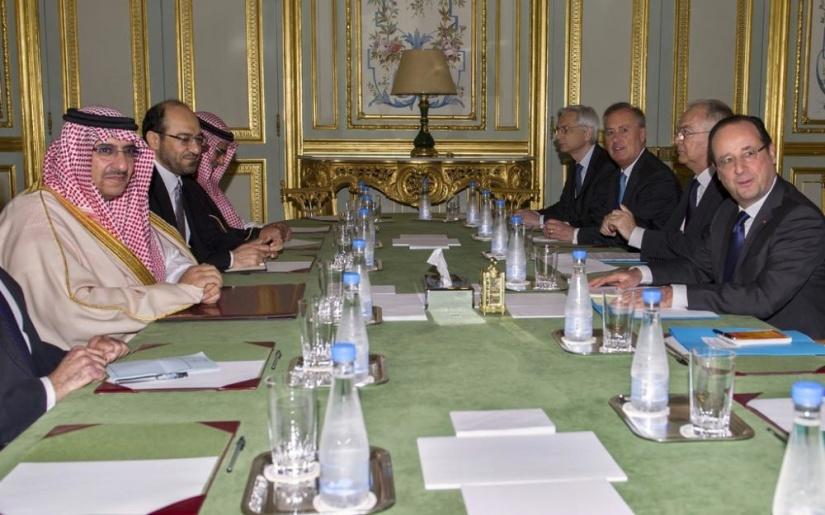 Mars 2016. Au conseil des ministre, le gouvernement Hollande reçoit une délégation saoudienne dont le prince héritier Ben Nayef qui recevra des mains de François Hollande la légion d'honneur. A l'époque, l'Arabie saoudite est connue pour son financement des rebelles djihadistes en Syrie