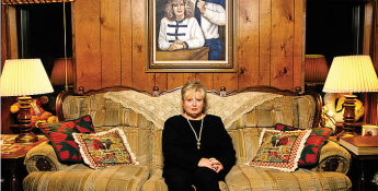 La poursuite qui pourrait couler les clintons: Linda Ives dit qu'elle peut prouver que le gouvernement fédéral a couvert le meurtre de son fils
