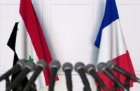 Drapeaux français et syriens