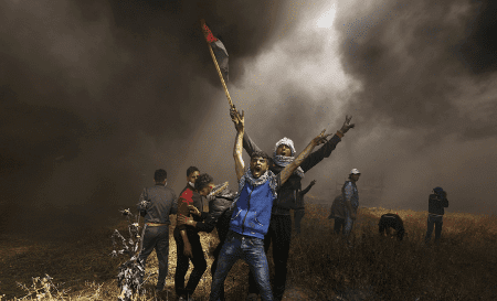 Les Palestiniens protestent pour exiger leur droit de retourner dans leurs foyers et leurs terres.