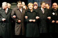 Merkel a marché bras dessus bras dessous avec Aiman Mazyek