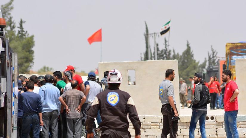 Israël évacue 800 membres des casques blancs et leurs familles de la Syrie à la Jordanie