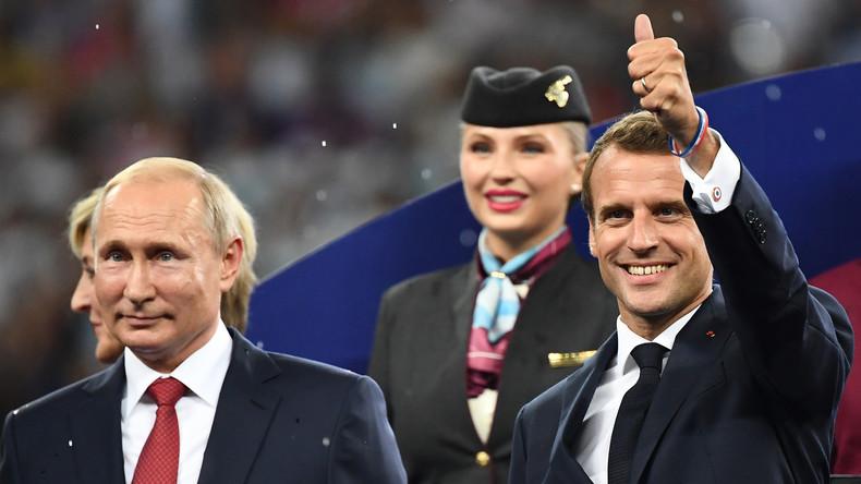 «Poutine ! Eh ! Eh ! Eh !» Quand les Bleus intègrent le président russe à leur chant de victoire